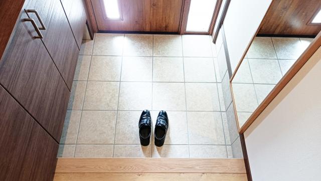 玄関に置いてある靴